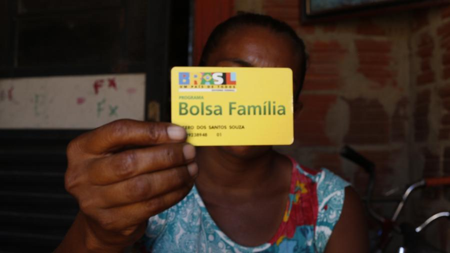 Cartão de beneficiários do Bolsa Família - Andre Felipe/ Folhapress