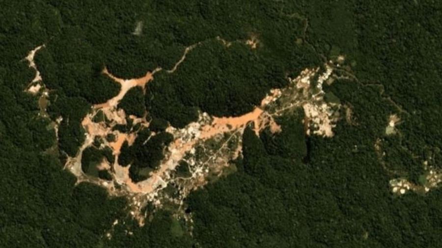 Garimpo na região do rio Cupixi, nas proximidades da Terra Indígena Wajãpi, no Amapá - Planet Labs
