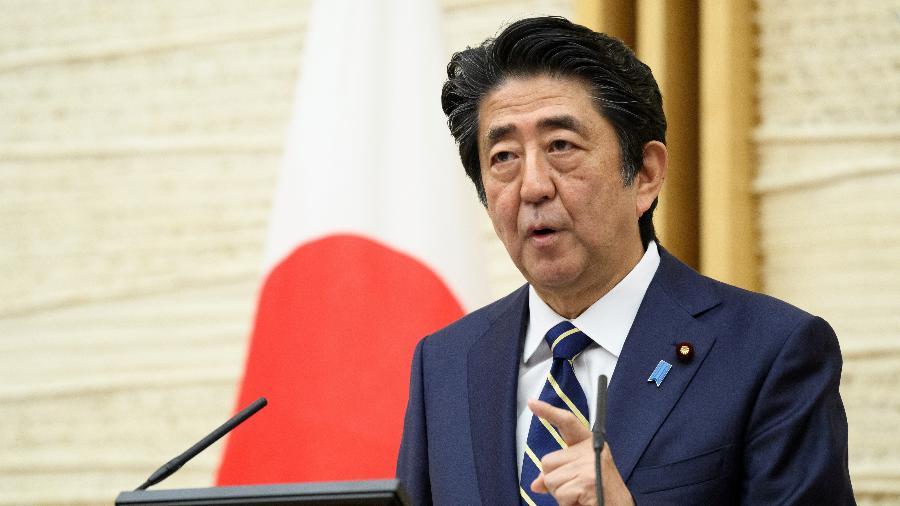 Primeiro-ministro do Japão, Shinzo Abe, durante entrevista coletiva em Tóquio - Por Takaya Yamaguchi e Tetsushi Kajimoto