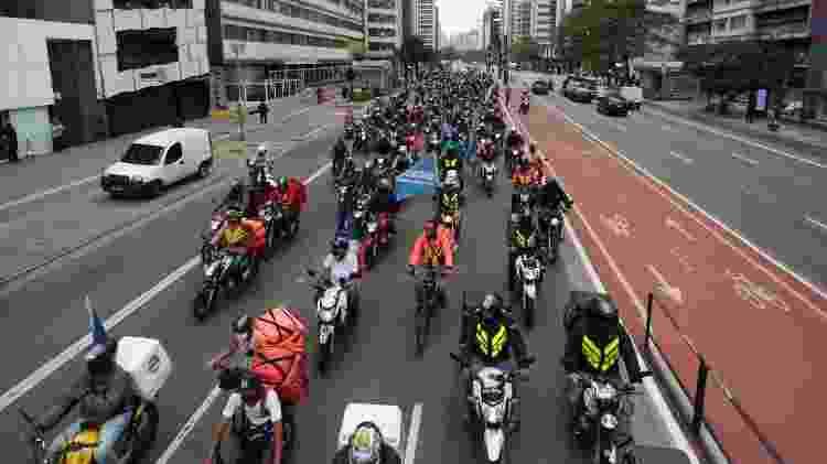 Entregadores de apps passam pela avenida Paulista em protesto nesta terça (14) - Alice Vergueiro/Estadão Conteúdo - Alice Vergueiro/Estadão Conteúdo