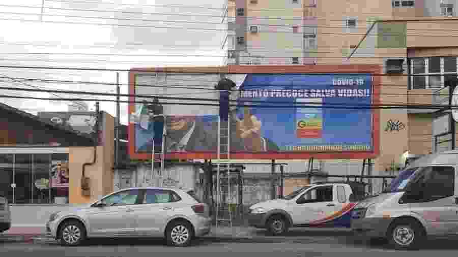 Outdoor que exaltava o uso da cloroquina foi removido hoje, em Vitória - Arquivo Pessoal