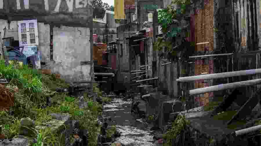 A zona sul de São Paulo é uma das mais prejudicadas pela falta de tratamento de esgoto - Van Campos/Fotoarena/Estadão Conteúdo