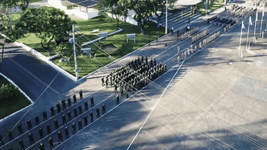 Vista aérea de formatura no Colégio Militar de Belo Horizonte - Reprodução