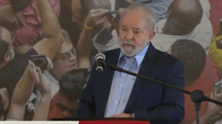 """Em entrevista, o ex-presidente Lula questionou o """"medo"""" do mercado financeiro com uma eventual candidatura dele em 2022 - Reprodução"""