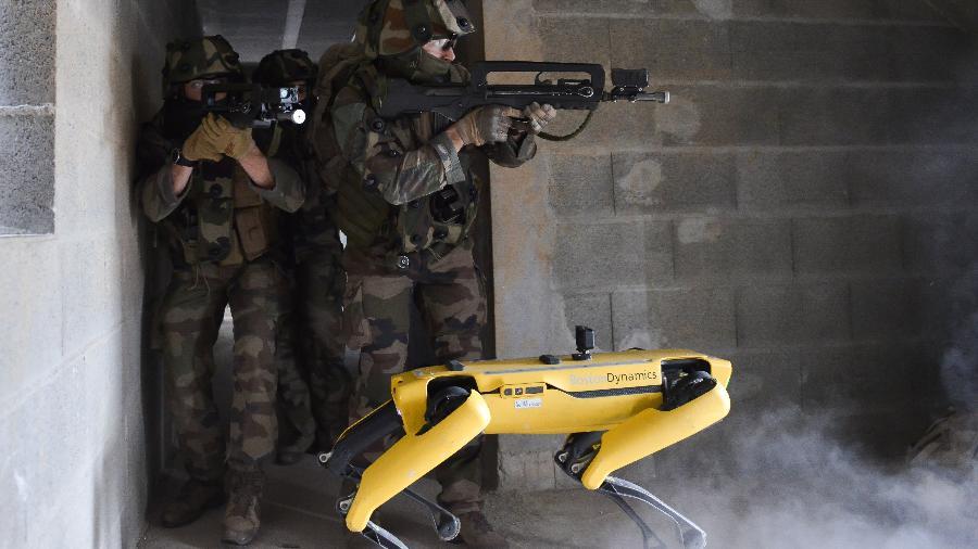 Cão-robô Spot, da empresa Boston Dynamics - Reprodução/Twitter