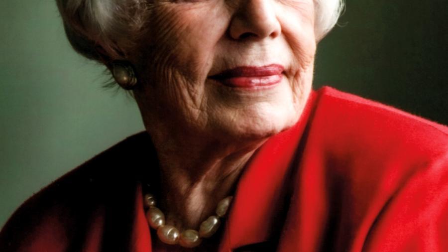 """Margarida Genevois, ativista dos Direitos Humanos, retratada por Bob Wolfenson. Foto de capa do livro """"Margarida, Coragem e Esperança"""", de Camilo Vannuchi - Bob Wolfenson/divulgação"""