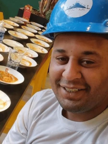"""João Carlos postou nas redes sociais foto com sua """"coleção"""" de pratos vazios  - Reprodução/Instagram"""