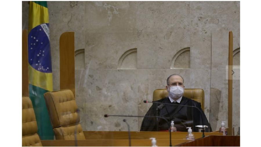 Augusto Aras durante uma solenidade no Supremo: de um procurador-geral da República se espera algo mais do que a postura de uma esfinge sem segredos, sempre atrelada ao Executivo - Pedro Ladeira/Folhapress