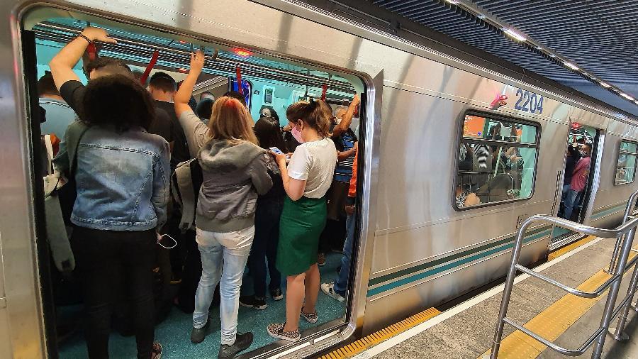 Linha 3-Verrmelha do metrô  - Rivaldo Gomes/Folhapress