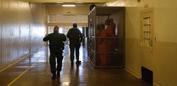 De acordo com o Departamento de Justiça, 13 mil pessoas foram soltas pelos tribunais, durante os dois mandatos de Obama.