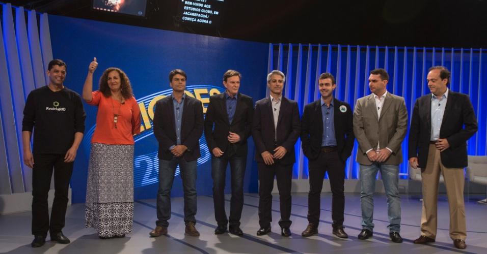 29.set.2016 - Candidatos à Prefeitura do Rio de Janeiro participam do debate da Rede Globo. Da esquerda para a direita, Índio da Costa (PSD), Jandira Feghali (PCdoB), Pedro Paulo (PMDB), Marcelo Crivella (PRB), Alessandro Molon (Rede), Marcelo Freixo (PSOL), Flávio Bolsonaro (PSC) e Carlos Osorio (PSDB)