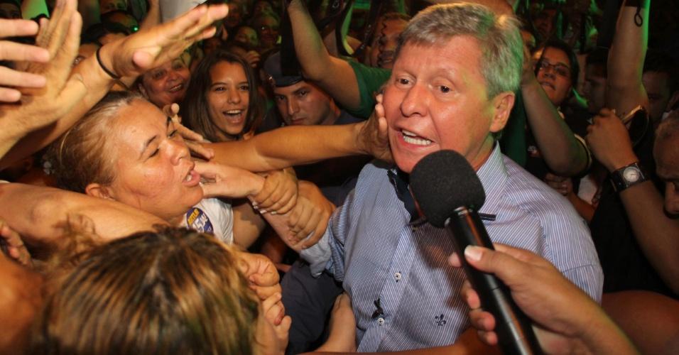 REVANCHE CONTRA VANESSA - A volta de Arthur Virgílio Neto ao poder ocorreu em 2012, contra uma velha conhecida. Rivais na eleição para o Senado em 2010, Virgílio Neto e Vanessa Grazziotin disputaram a Prefeitura de Manaus. O tucano foi eleito em segundo turno com 65,95% dos votos, dando o troco na rival e voltando a vencer um pleito após dez anos