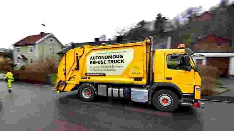 Caminhão de lixo da Volvo - Divulgação/Volvo