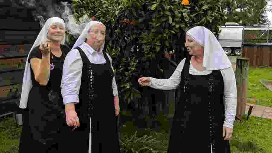 Da esq. para a dir., as irmãs Alice, Sierra e Kate, do Sisters of the Valley, na Califórnia - Fernanda Ezabella/UOL