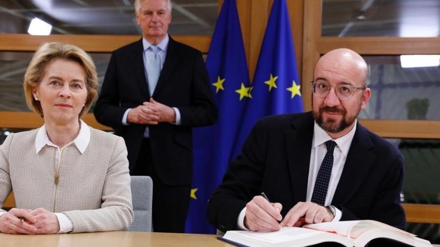 Arquivo - Os presidentes da Comissão Europeia, Ursula von der Leyen, e do Conselho Europeu, Charles Michel,  assinaram hoje em Bruxelas o acordo que administrará as relações comerciais pós-Brexit com o Reino Unido - Reprodução/Twitter/Charles Michel