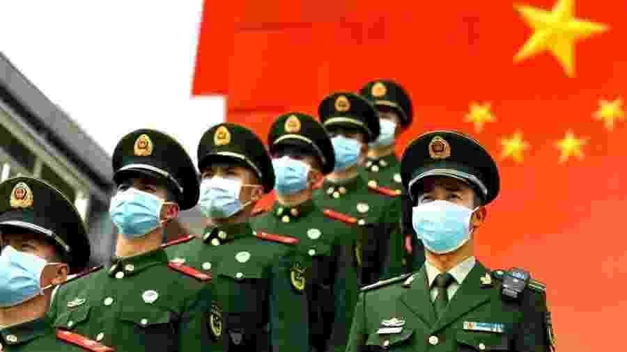 China vive onda de críticas crescente em relação à condução da crise do novo coronavírus, que já matou mais d mil pessoas - Getty Images