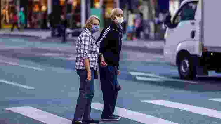 Segundo o governo de SP, pedestres flagrados circulando sem máscara podem pagar multa - ANDRÉ RODRIGUES/ESTADÃO CONTEÚDO
