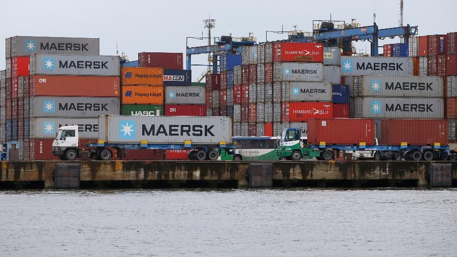 Vista de contêineres no Porto de Santos (SP) - Amanda Perobelli