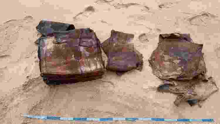 Fardos de plástico foram encontrados em praia em Pernambuco - Divulgação - Divulgação