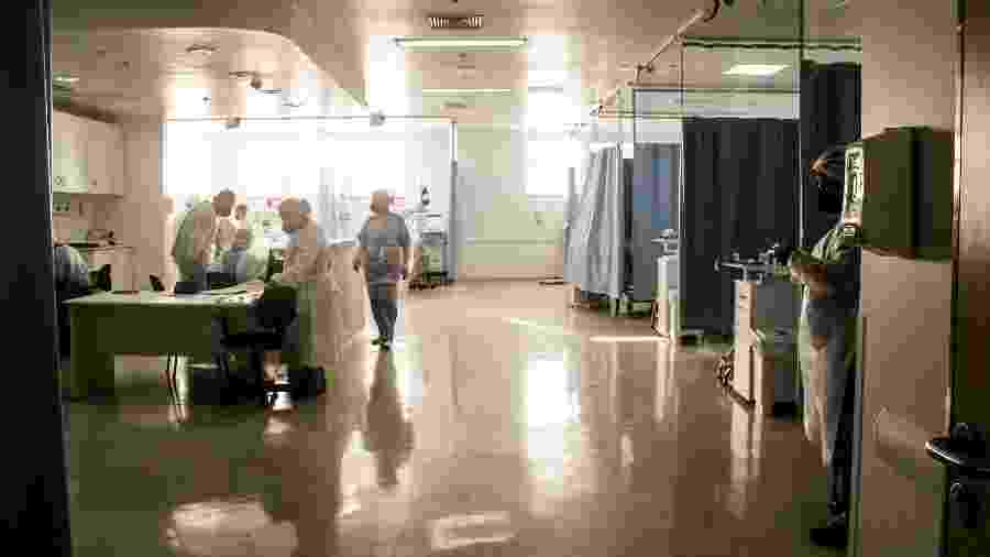 UTI com pacientes infectados pelo novo coronavírus do Hospital da Brasilândia, em São Paulo - Talyta Vespa/UOL