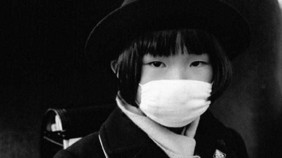 Para sociólogo, há um momento claro na história em que as máscaras são incorporadas aos hábitos dos japoneses, e esse momento é a pandemia da chamada gripe espanhola do início do século 20 - Getty Images via BBC