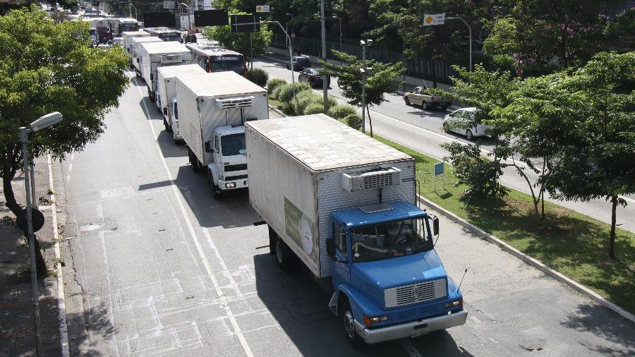 27 jan. 2021 - Caminhoneiros do setor frigorífico protestam contra aumento do ICMS em São Paulo - Deividi Correa/Estadão Conteúdo