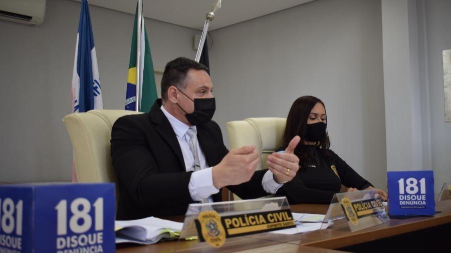Delegados da Polícia Civil Douglas Vieira e Denise Maria Carvalho, durante coletiva de imprensa sobre o caso - Reprodução/ Polícia Civil do ES