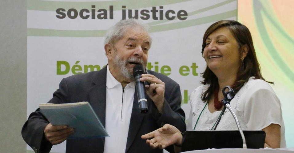 25.abr.2016 - O ex-presidente Luiz Inácio Lula da Silva fala no seminário