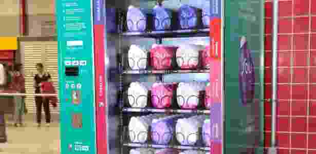 """Máquina automática """"vending machine"""" com produtos da Natura instalada em estação do metrô, em São Paulo - Divulgação - Divulgação"""