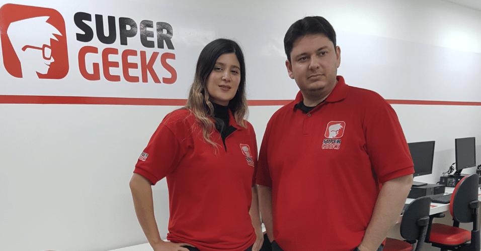 Vanessa Ban e Marco Giroto, fundadores da franquia SuperGeeks
