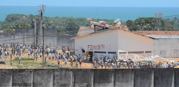 """Resultado de imagem para BRASIL: Em vídeo, PCC ameaça levar """"guerra à rua"""" se facção rival não sair de Alcaçuz"""
