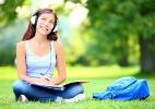 Clique Ciência: Por que não dá para ler e ouvir ao mesmo tempo? (Foto: Getty Image)