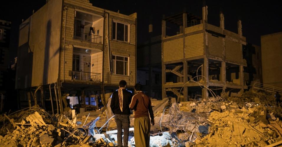 Iranianos se revoltam com constru es malfeitas na regi o for Que represente 500 mo