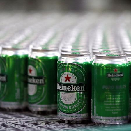 Latinha de cerveja Heineken - Paulo Whitaker/Reuters