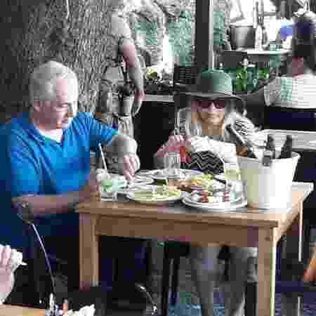 29.dez.2018 - Benjamin Netanyahu, primeiro-ministro de Israel, almoça com a mulher em restaurante no Leme, Rio de Janeiro - Divulgação - Divulgação