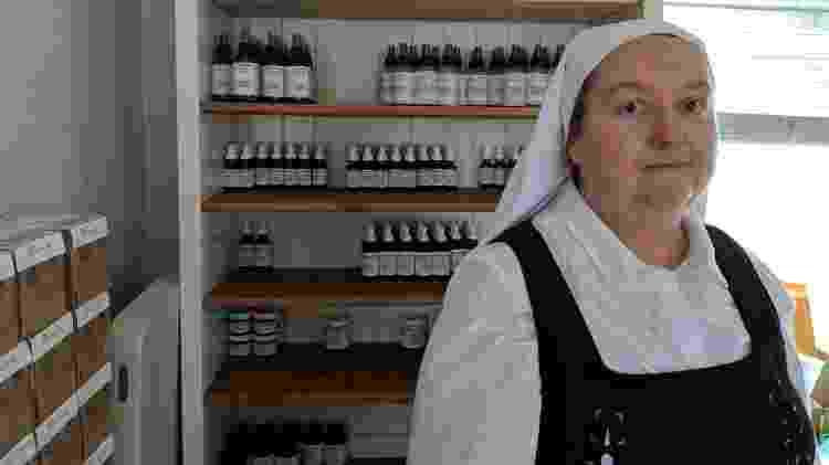 Irmã Sierra, ex-freira católica que largou a ordem franciscana ao sofrer abusos - Fernanda Ezabella/UOL