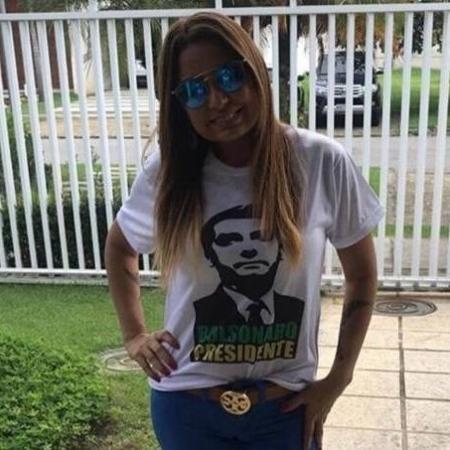 Promotora Carmem Eliza Bastos veste camiseta de apoio a Jair Bolsonaro - Reprodução/Instagram