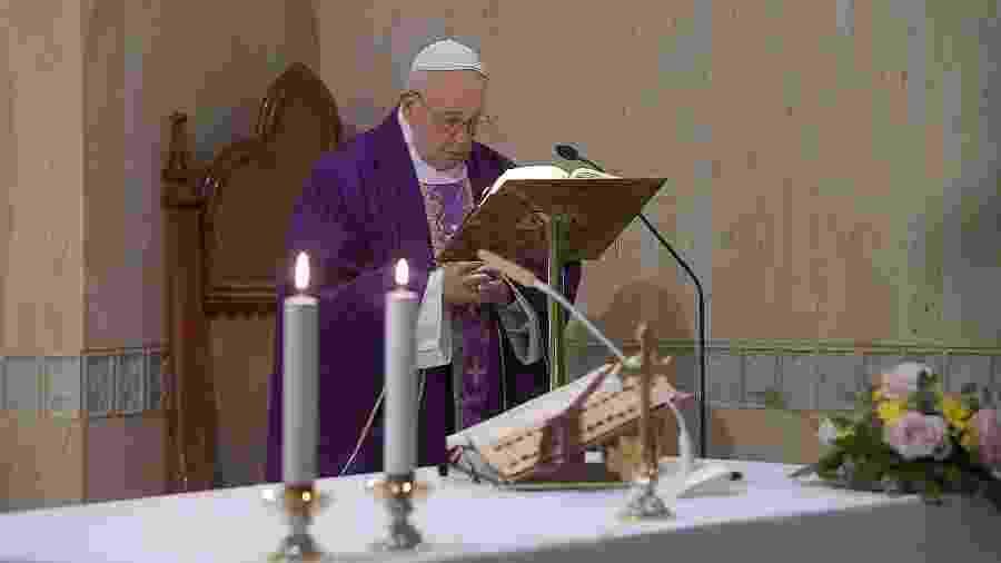 Papa Francisco durante missa no Vaticano - VATICAN MEDIA