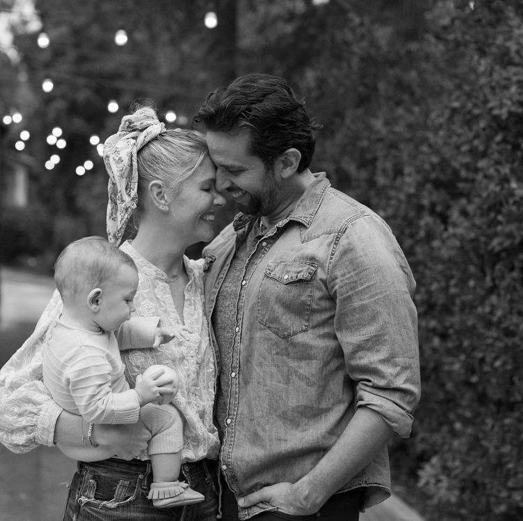 Ator e músico Nick Cordero com a esposa Amanda Kloots e o filho Elvis - Reprodução/Instagram - Reprodução/Instagram
