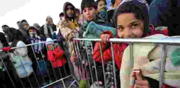 Por fazer fronteira com a Croácia, a Bósnia se tornou uma nova alternativa para muitos refugiados que fogem de conflitos no Oriente Médio e na África - Elvis Barukcic/AFP