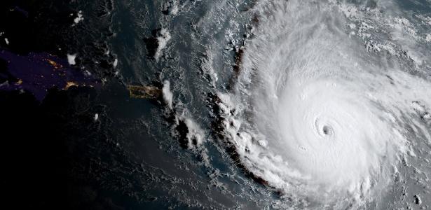 Furacão Irma se aproxima de cinturão de ilhas à direita de Cuba, Haiti e Porto Rico no Mar do Caribe