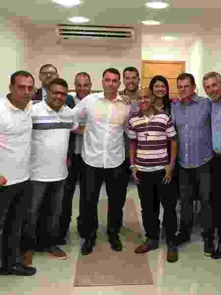 O presidente estadual do PSL, Flávio Bolsonaro, se reuniu com a bancada eleita do partido para a Alerj em janeiro - Reprodução/Twitter