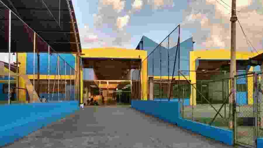 Escola estadual pintada com as cores do PSDB - Arquivo Pessoal