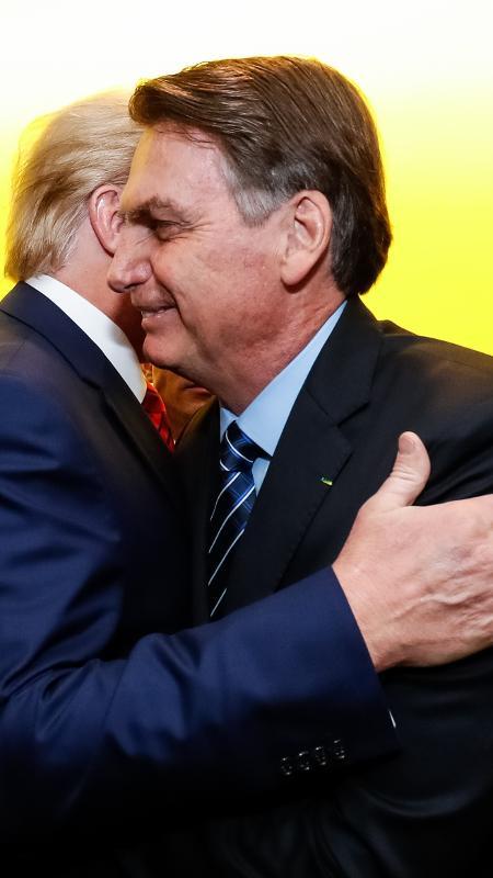 Jair Bolsonaro é cumprimentado por Donald Trump, em Nova York -  Alan Santos - 24.set.18/PR