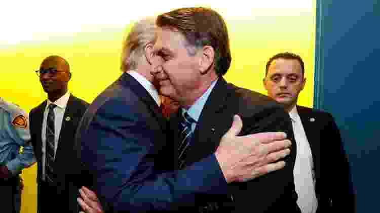 O presidente americano Donald Trump cumprimenta Jair Bolsonaro, em Nova York -  Alan Santos - 24.set.18/PR -  Alan Santos - 24.set.18/PR