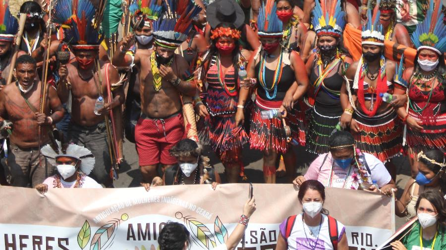 Manifestantes participam da 2ª Marcha Nacional das Mulheres Indígenas pelas ruas de Brasília  - João Gabriel Alves/Enquadrar/Estadão Conteúdo