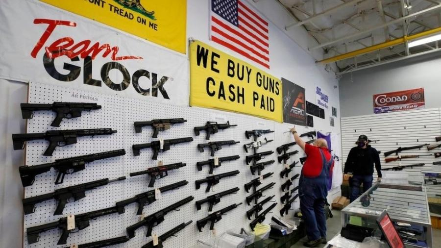 Vendas de armas dispararam no país desde o início da pandemia - George Frey/AFP via Getty Images