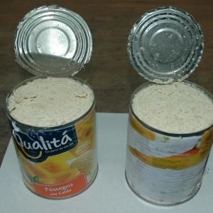 Traficantes buscam formas de ludibriar a fiscalização, como esconder cocaína em latas de alimentos