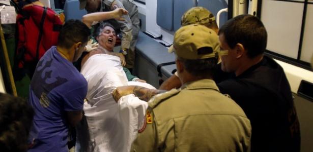 O ex-governador do Rio de Janeiro, Anthony Garotinho, é transferido do hospital municipal Souza Aguiar para o presidio em Bangu