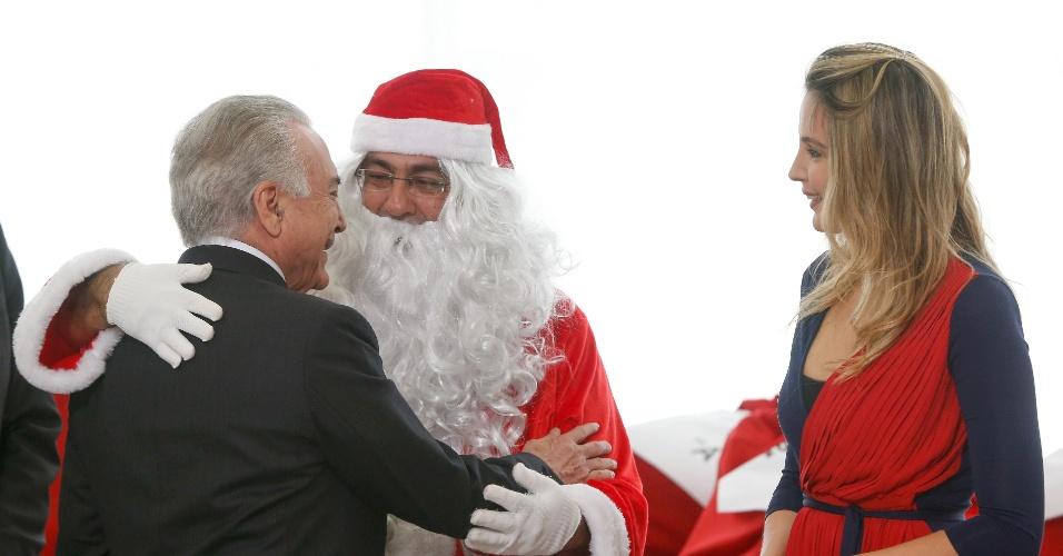 Presidente Michel Temer e a primeira dama, Marcela Temer, participaram da cerimônia de comemoração do Natal com crianças da Escola Rural Boa Vista, de Sobradinho (DF)